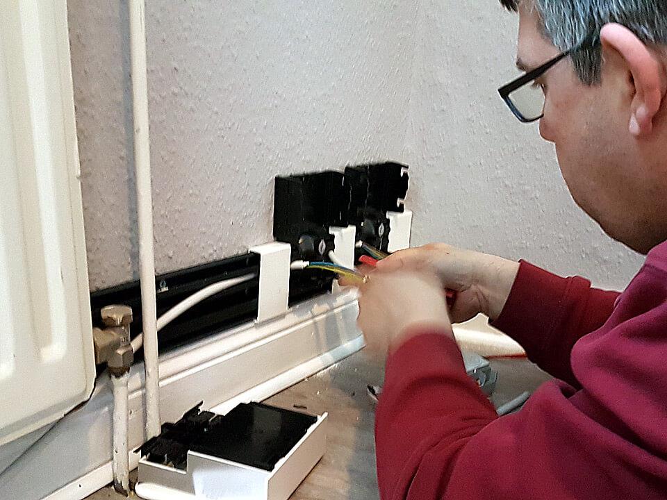 Installation einer Steckdosenleiste
