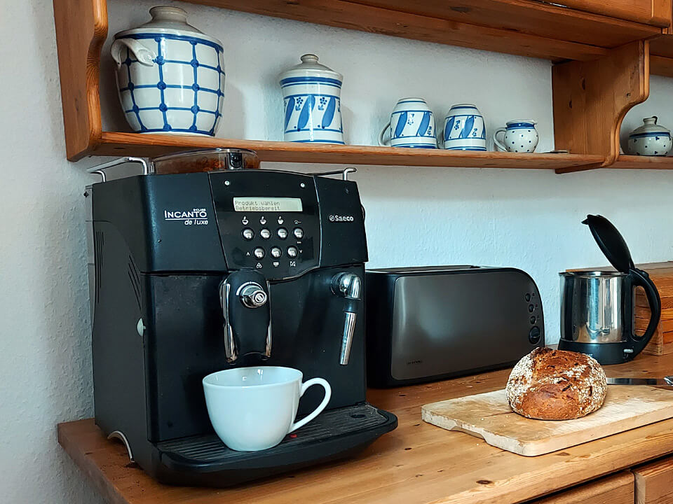 Kaffeeautomat, Toaster und Wasserkocher